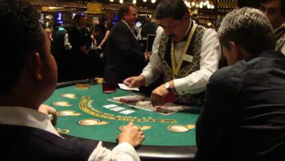 Working Strategies for Live Blackjack