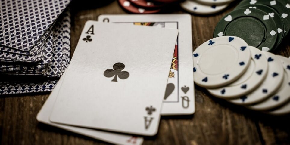 How To Win at Live Poker