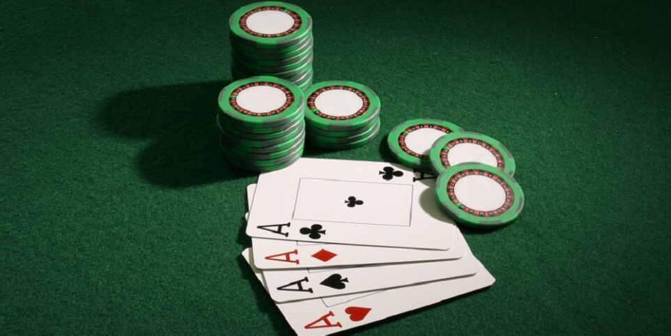 How To Play Poker Tournaments